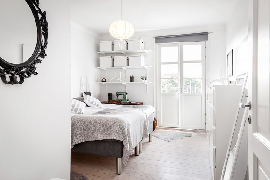 All White Bedroom Chic Designing