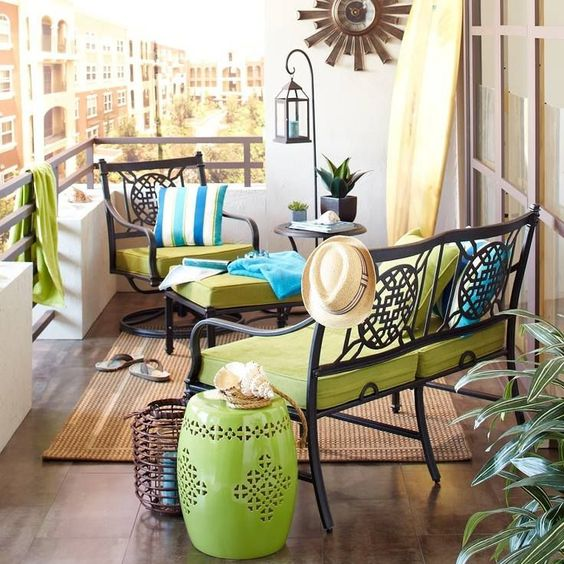 Green Accents For Decorating Apartment Balcony