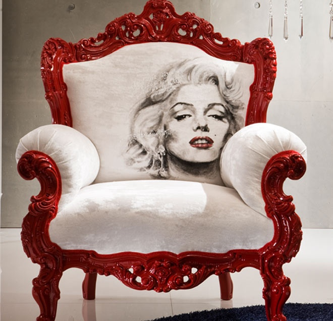 Marilyn Monroe Red And White Stylish Armchair