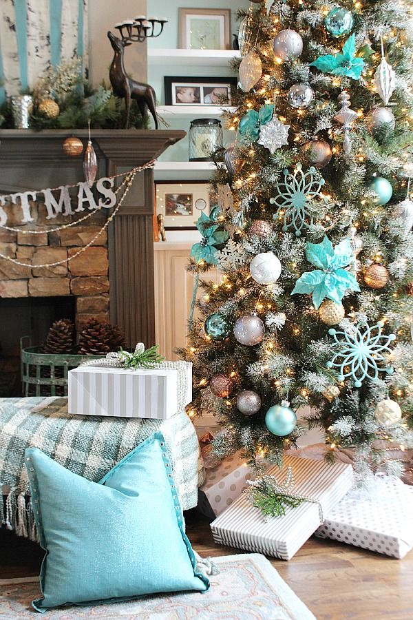 Amazing Turquoise Christmas Tree Ideas
