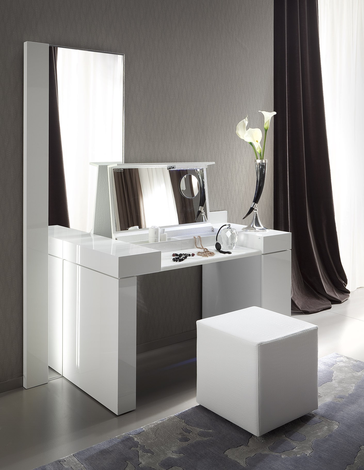 Beautiful Design Ideas Of Bedroom White Vanity Table And Chair