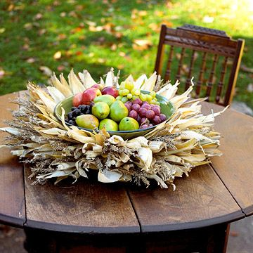 Cornhusk Centerpiece Perfect For The Fall And Thanksgiving Outdoor Table