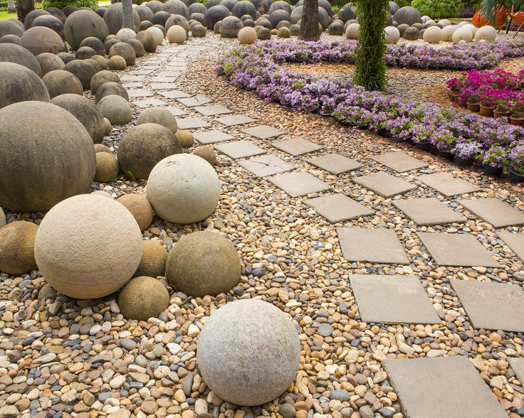 Fantastic Stone Garden Path In The Backyard