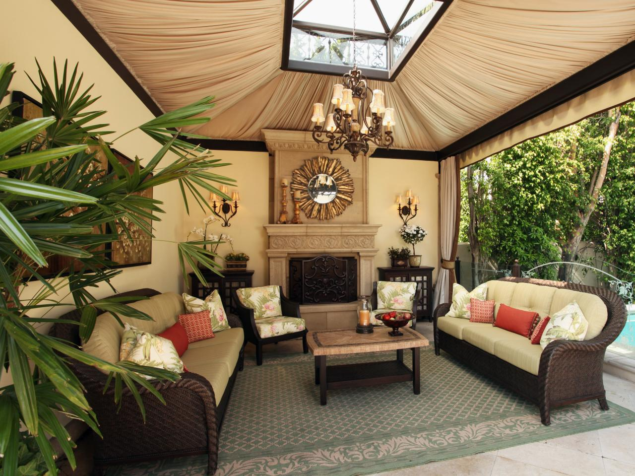 ... Luxurious Backyard Retreat For Your Home