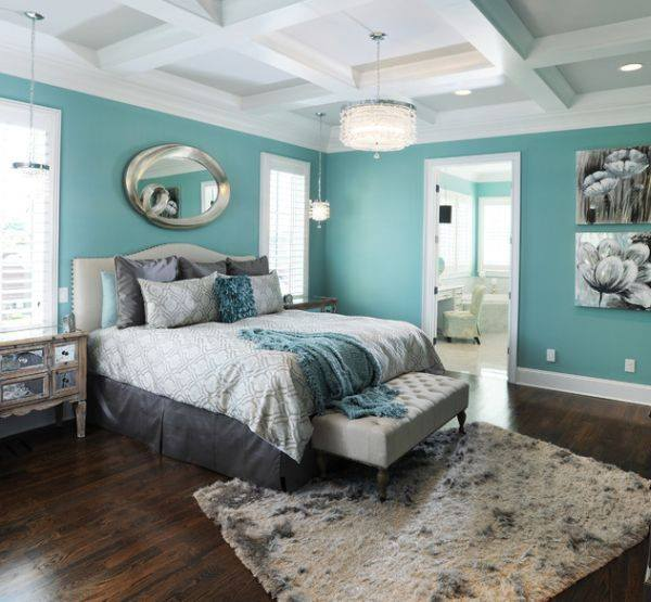 Amazing Peaceful White, Brown And Turquoise Bedroom Idea