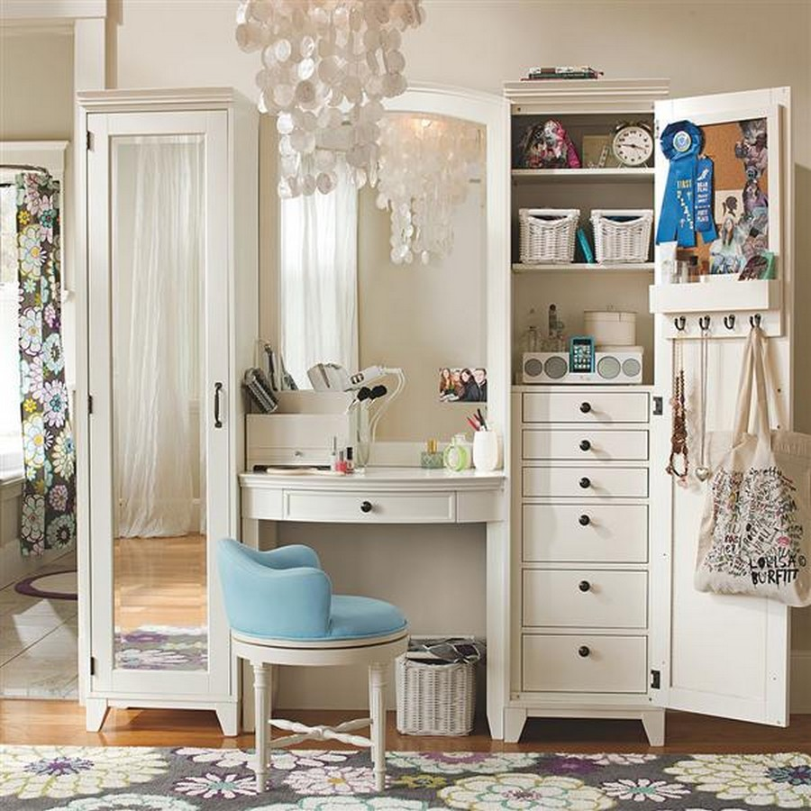 Retro Bedroom Design Idea With Antique Vanity Table And Turquoise Chair