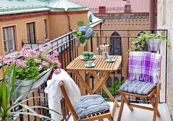 Amazing Flowers For Balcony Chic Decorating Ideas