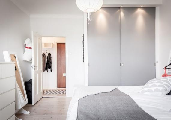 White And Grey Modern Bedroom For Your Home