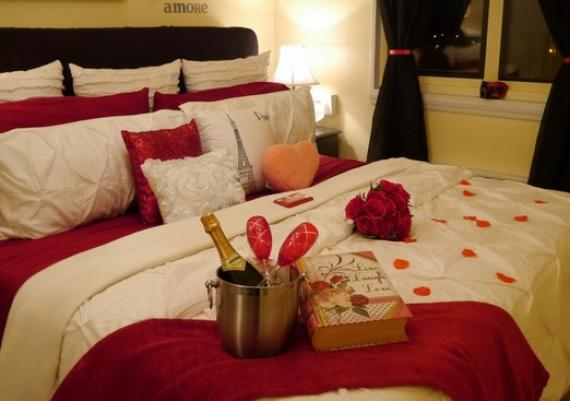 Romantic Red Hearts Valentine's Day Bedroom Decoration Idea