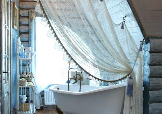 Making Your Bathroom Look Larger With Shower Curtains