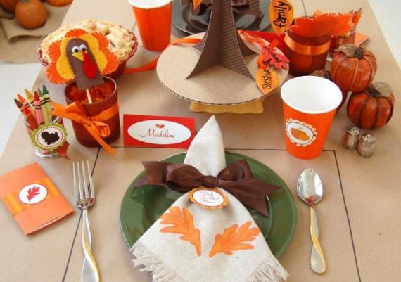 Creative Thanksgiving Kids' Table