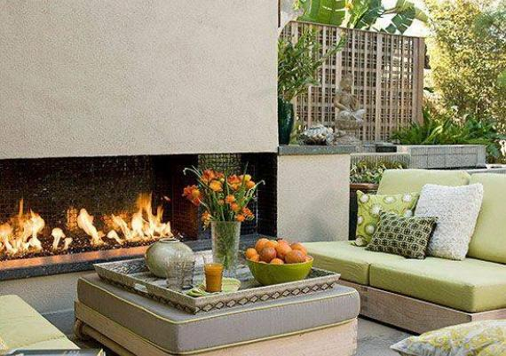 Amazing And Relaxing Outdoor Living Space