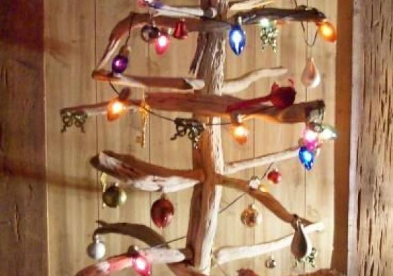 Beautiful Driftwood Christmas Tree