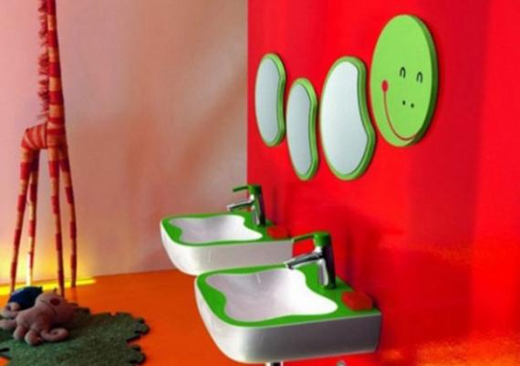 Colorful Green And Red Kids Bathroom Design Idea