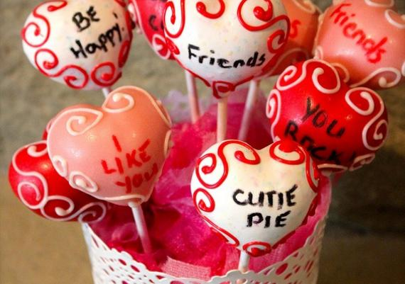 DIY Valentine's Day Cake Pops