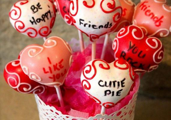 DIY Valentine's Day Cake Pops