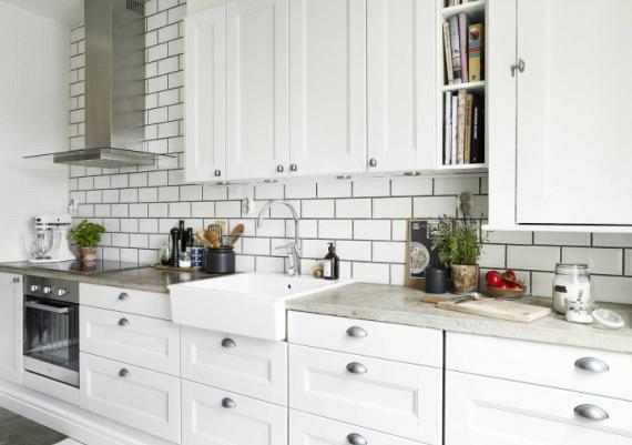 Fabulous All White Rustic And Modern Kitchen For Your Home