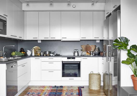 Fabulous Grey Walls And White Cabinets Kitchen Design Idea