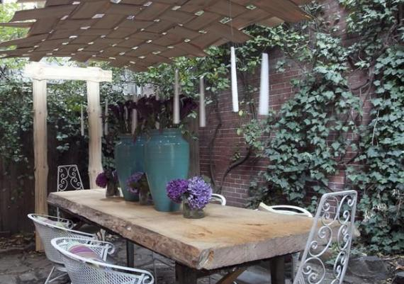 Fantastic Urban Outdoor Dining Room