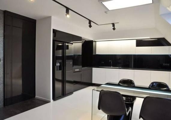 Impressive Black And White Modern Kitchen