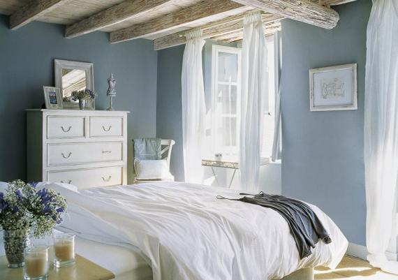 Light Blue For Your Chic Bedroom