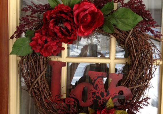 Rustic Valentine's Wreath For Ypur Front Door