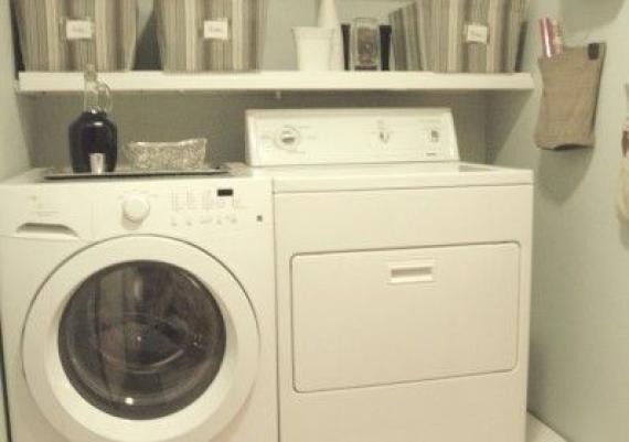 Small Laundry Room With Pedestals And Shelves