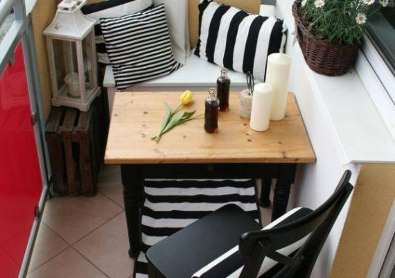 Space-Saving Table Ideas for Small Balcony