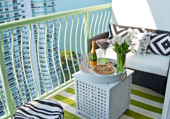 Stilish Small Balcony Design For Your Home