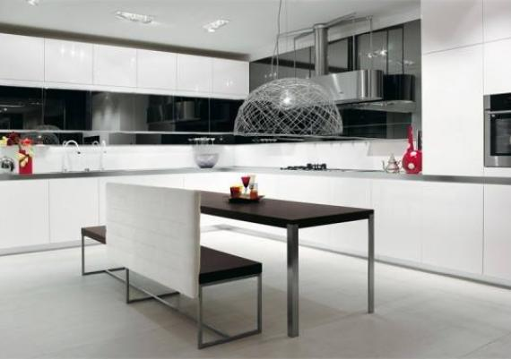 Stunning Contemporary Black And White Kitchen