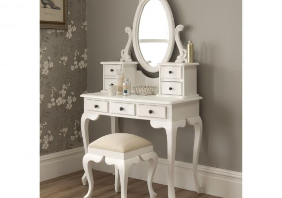 Vintage White Vanity Table And Chair Design Idea