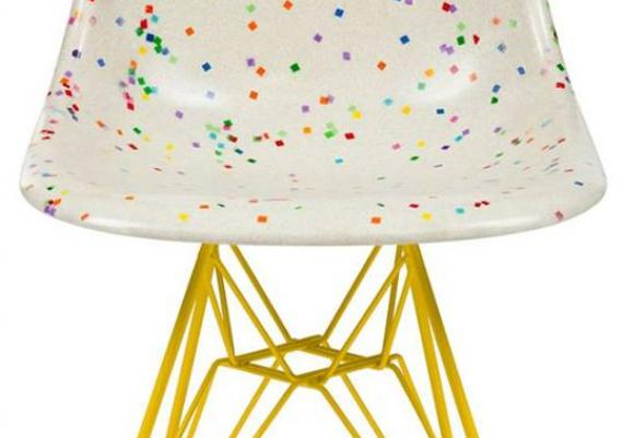 White With Colorpuf Dots Eames Chair