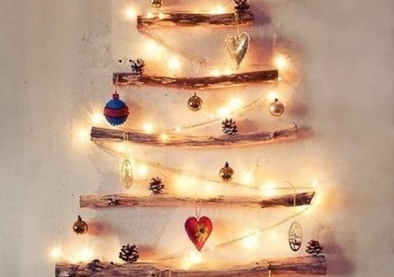 Creative Ornaments And Light Wall Christmas Tree